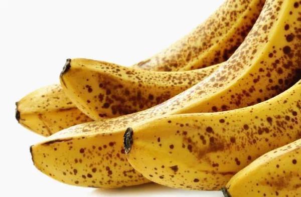 香蕉不能和它们一起吃 轻则脸上长斑 常吃重者会致癌中毒