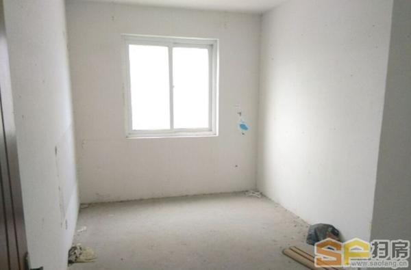 地铁口 毛坯现房 满两年 三房两厅两为 双阳台金泉泰来苑131平