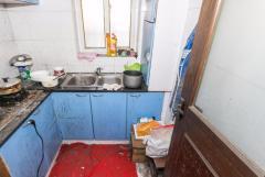 金塘小区 底楼一房一厅 改两房 带天井