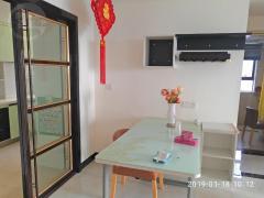 干净整洁,随时入住,精装2500元/月 富湾国际 东升 2房 83m² 正南