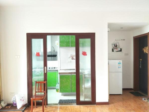 安静小区,低价出租,连山鼎府 精装  南北 1房 56m² 高新区