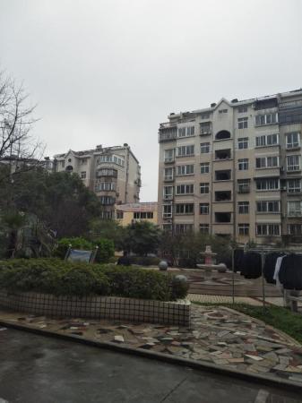 安静小区,3房 高新区  万众星苑B区 简装 南北 124m²