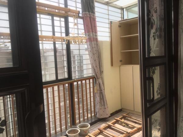 后现代主义年轻人的选择!经典96m²  10万元 东湖国际花园 3房 精装 高新区 南北 低价出售!!!