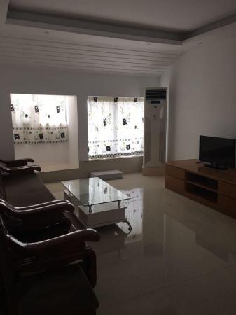 干净整洁,随时入住,3房 110m² 中装 南北 高新区 2000元/月 连山鼎府