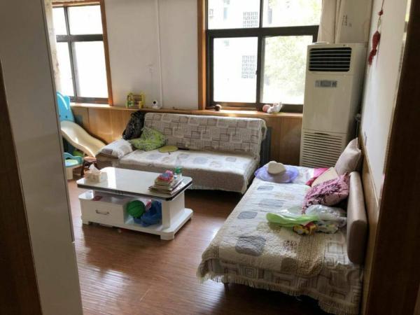 97m² 1200元/月 3房 高新区 南北 精装修,二汽老区 ,价格便宜,交通便利!
