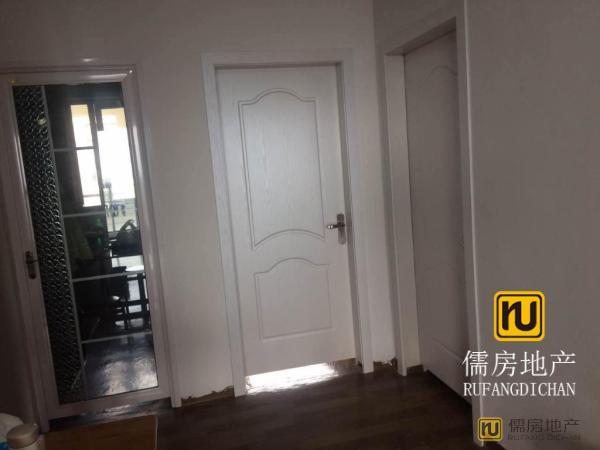 通策蘭堡 1万元 1房 98m² 南北 毛坯 衢州 非常安静,笋盘出售!
