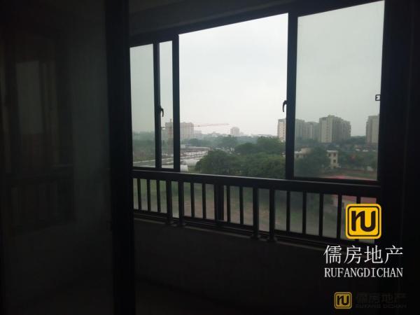龙潭嘉苑高档小区
