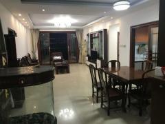 超低单价,不临街,随时腾房蓝天花园 136m² 惠城 1万元 精装 正北 4房 !