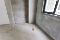 宏都新城电梯中层 首付15万 前后无遮挡 优质小区
