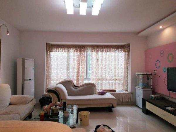 无敌江景电梯豪宅四房,单价低到你不敢相信。