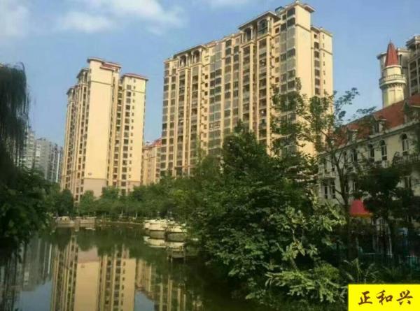 急售房子  地铁口 莱茵湖畔 精装4房 一口价卖了!
