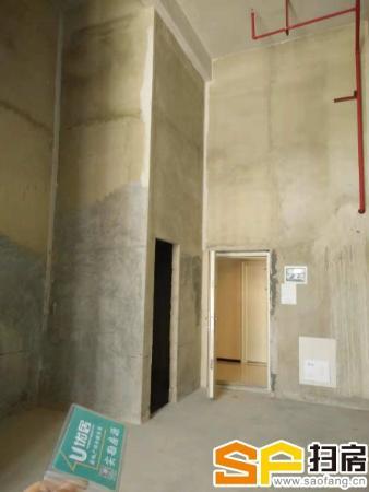 贵阳市高铁北站正对面北大资源梦想城5.5米高整层公寓出售,位置绝佳,投资自营两不误