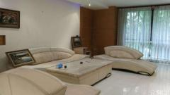 黄河东路万兴魅力城 4室2厅171平米 中等装修 半年付(家具家电齐全)