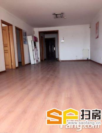 广安省博物馆附近财富大厦121平大开间装修好