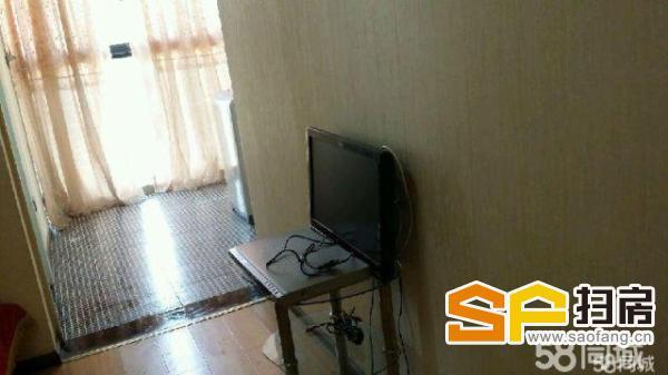 张湾和昌豪景湾 精美电梯公寓 欧式装修 1500 拎包入住(好房不等人,快快来电吧!)