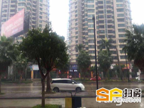 雅居乐锦城四期南向一线商铺,四年前的价钱,超。 扫房网
