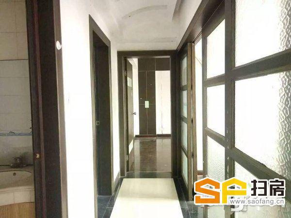 岭南新精装三房少量家私家电高层通风采光整租-整租