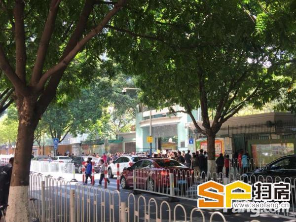 珠江新城 大面积裙楼位 大广告位 高使用率 扫房网