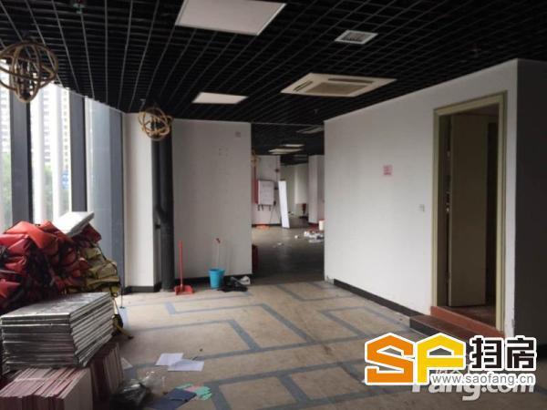 珠江新城 金穗路 门面1楼20平2楼700平 85元一方 管理费10块