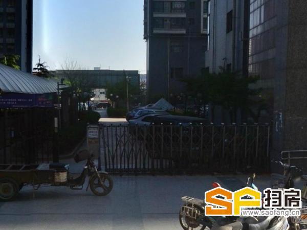 北国商城附近临街上下两层带租营业中