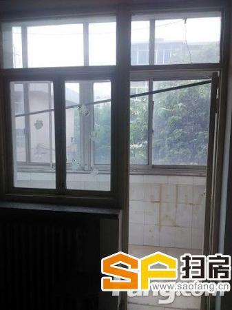 桥西火车站商圈新石南路税务学校宿舍3楼1室1厅48平精装个税前后