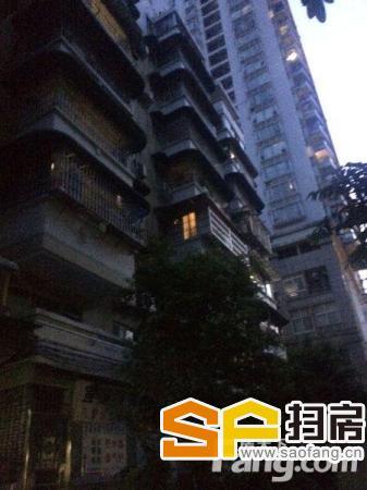 元运街的楼梯楼 中层5楼 套内间隔方正 可间2房带阳台