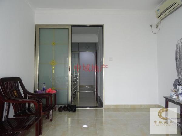 麓港国际  63平米小三房  全新装修 可办公住家  看房有钥匙