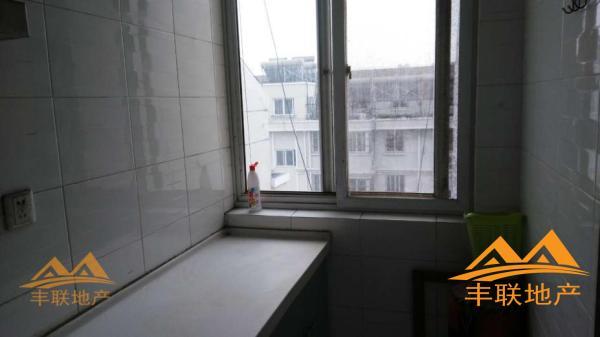 干净整洁,随时入住,中装 淮安 2房 0 8元/月 富豪花园C区 南北 72m² 扫房网