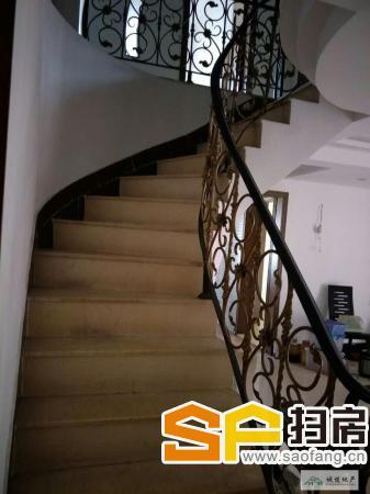 稀缺好房型,精装 3500元/月 中心花园 4房 158m² 城市片区 ,先到先得