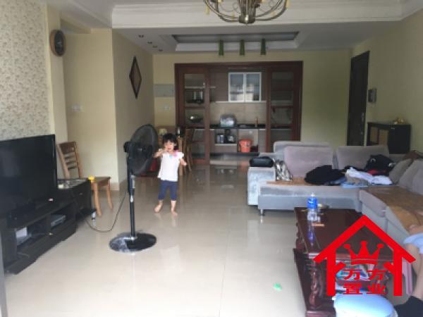 南北 123m² 台山 碧桂园盈翠苑 3房 2800元/月 精装 采光好,拎包随时就可以入住! 扫房网