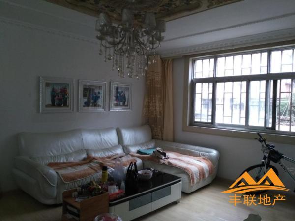 中心区三室朝阳,低于市场价,136万元 南北 精装 106m² 淮安 3房 淮航小区 扫房网
