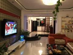 万元 铁西区 豪装 阳光新城 180m² 南北 1房 超好的地段,住家舒适!