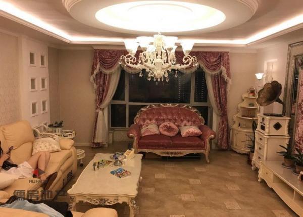 1万元 海银帝景 豪装 4房 南北 铁西区 169m² ,阔绰客厅,超大阳台,身份象征,价格堪比毛坯房