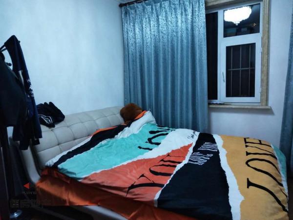 华宇城 99平 两室一厅