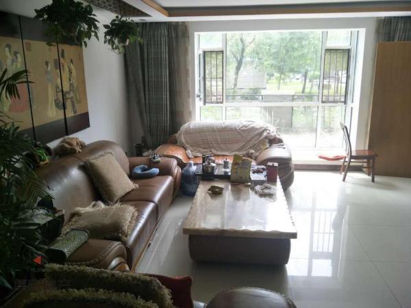 铁西区 4房 南北 125万元 海银帝景 豪装 167m² ,超低价格快出手