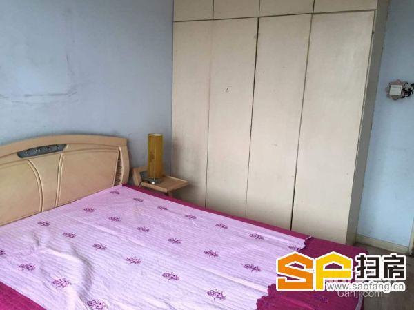开发区湘江道梧桐苑小区2室2厅100平米中等装修