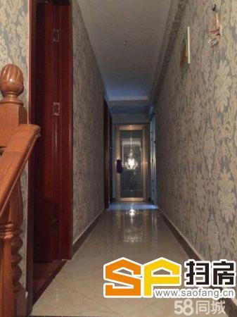 (出售) 东城国际 精装三室两厅两卫 140平 包更名 65万